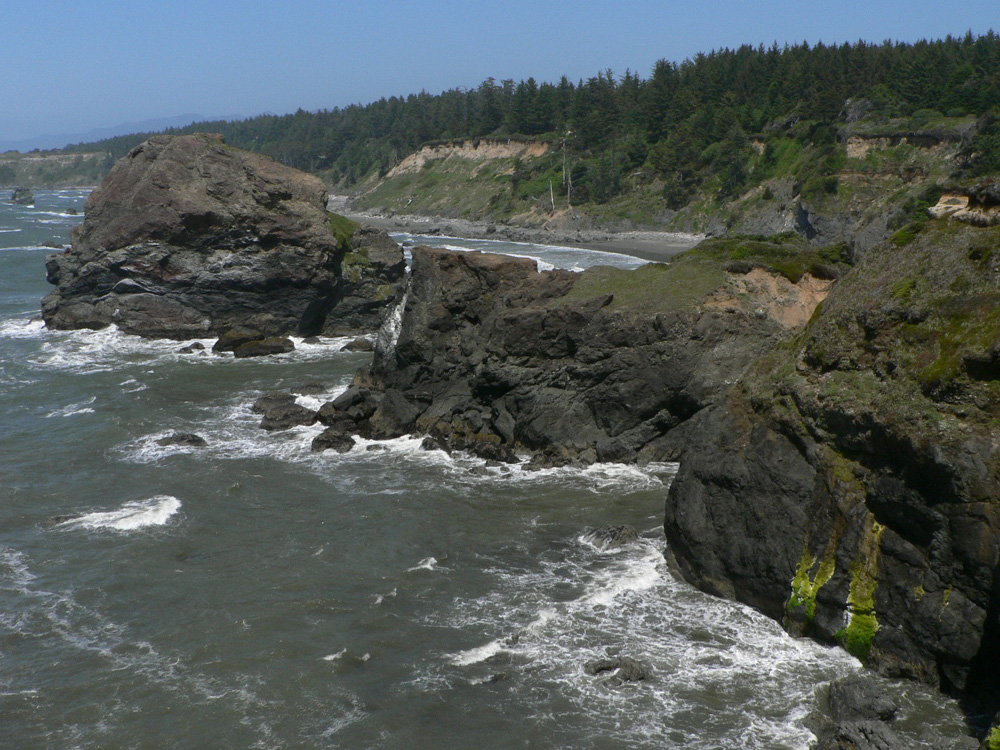 gold beach Gold beach is located on the sunny southern oregon coast, where the legendary rogue river meets the mighty pacific gold beach is.